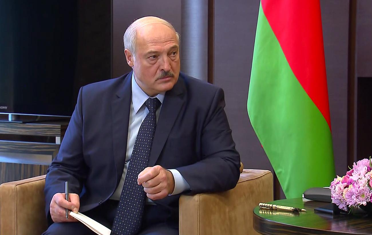 Сценарій Януковича: навіщо Путін дає кредит Лукашенко
